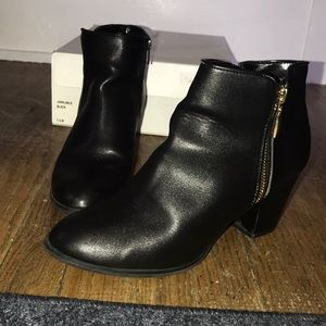 Style&co. Black bootie size 7.5